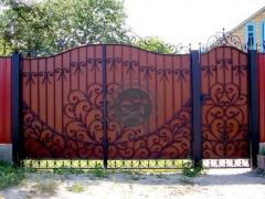 Gates and wickets made of corrugated board with forging elements